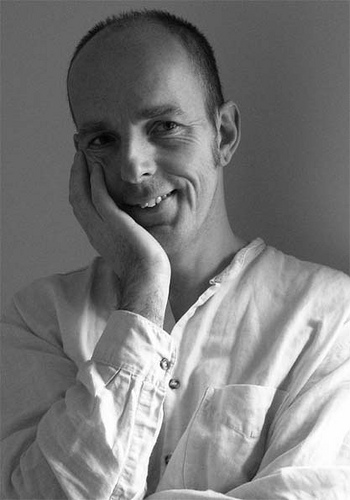 Стив Нун – автор книги «Улица сквозь время»